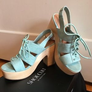 Nasty Gal SHOECULT - Mint and Wooden Heels